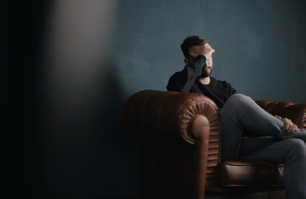 Migrena i reumatyzm stercza - alternatywne teorie o zapaleniu prostaty